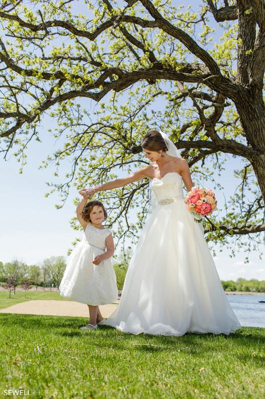 SEWELLPHOTOGRAPHY_STCLOUD_WEDDING030