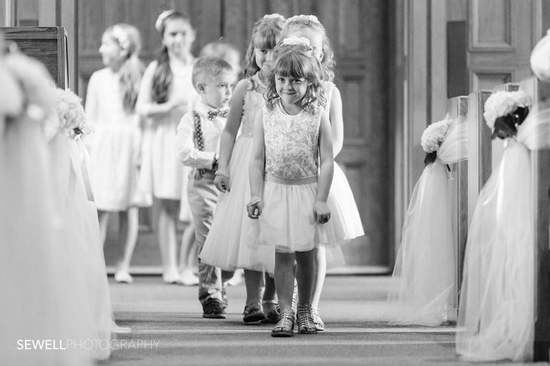 SEWELLPHOTOGRAPHY_LAKEMINNETONKA_WEDDING001