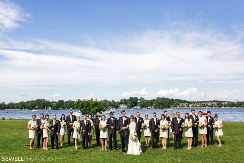 SEWELLPHOTOGRAPHY_LAKEMINNETONKA_WEDDING020