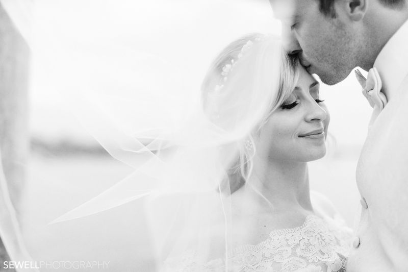 SEWELLPHOTOGRAPHY_LAKEMINNETONKA_WEDDING047